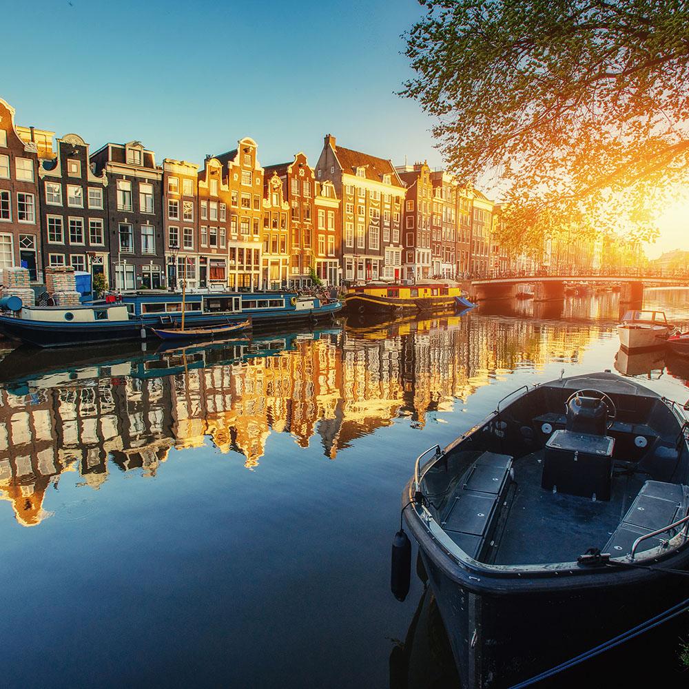 sailing holiday amsterdam