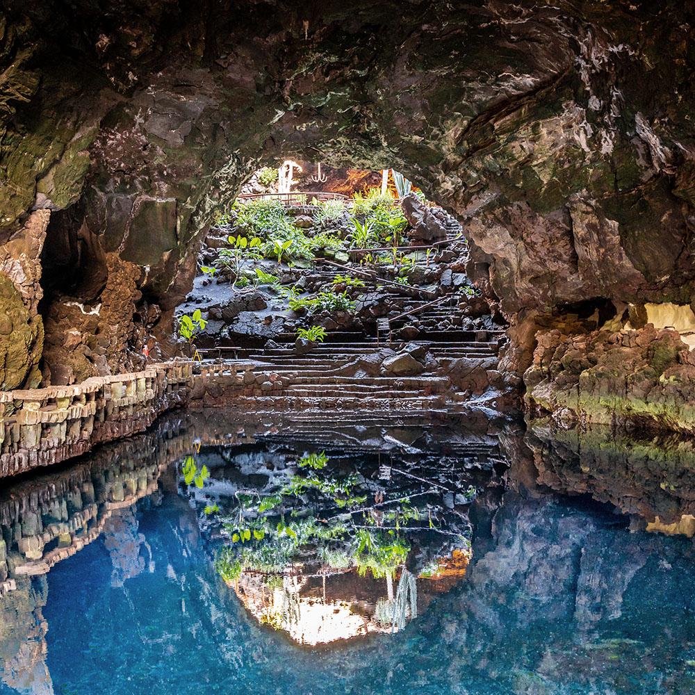 Canaries sailing holiday caves
